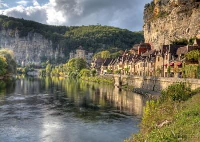 Nearby La Roque-Gageac © Louis Bourdon